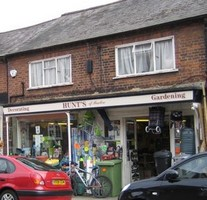 Hunts .. Ironmongers, Decorating, Gardening